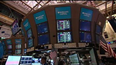 Stock market plunges amid Washington uncertainty