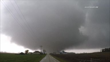 Tornadoes tear through the Midwest
