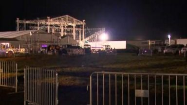 Storm causes structure to collapse at Backstreet Boys concert