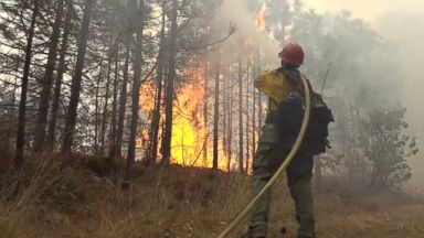 California residents rush to evacuate wildfire