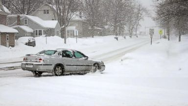 Cross-country storms cause chaos in Midwest, Northeast