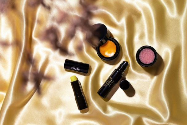 Henné Organics: Lip Care