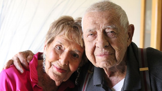 Meet the Oldest Newlyweds Ever: Elderly Couple Breaks ...