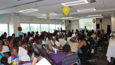 Hospital in high-poverty Chicago neighborhood throws baby shower for more than 100 moms