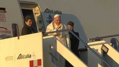Pope Francis departs for Chile, Peru amid scandal