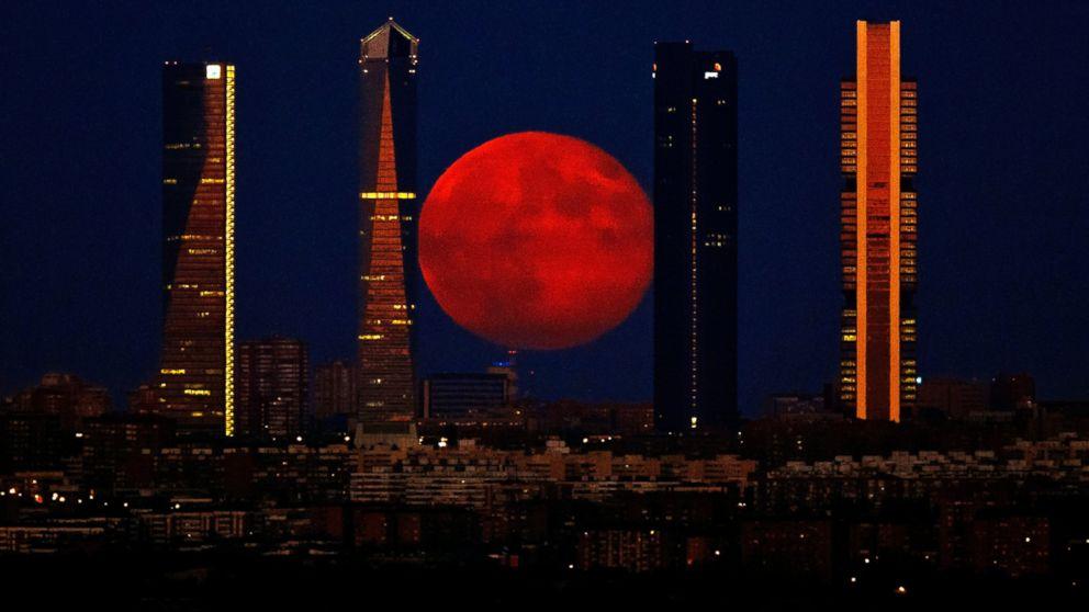 red moon tonight spain -#main