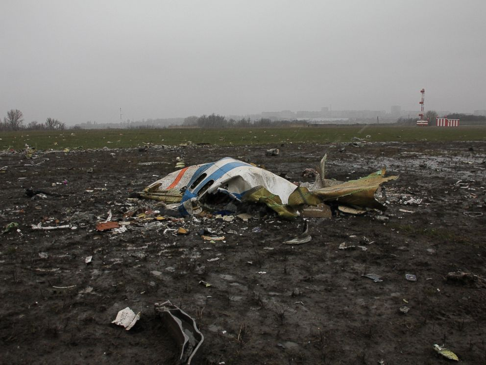 pilot error or mechanical failure most likely caused plane crash in russia investigators say. Black Bedroom Furniture Sets. Home Design Ideas