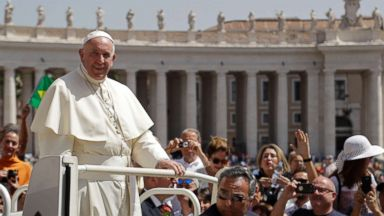Pope invites Chilean sex abuse victims to Vatican for private meetings