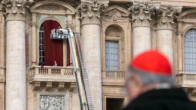 Pope S Balcony Gets Red Drapes For Next Pontiff Abc News