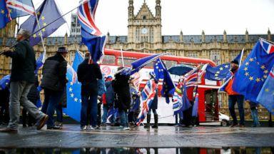 Political crisis in UK ahead of Brexit debate