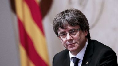 Catalan president claims mandate for independence but seeks dialogue with Spain first
