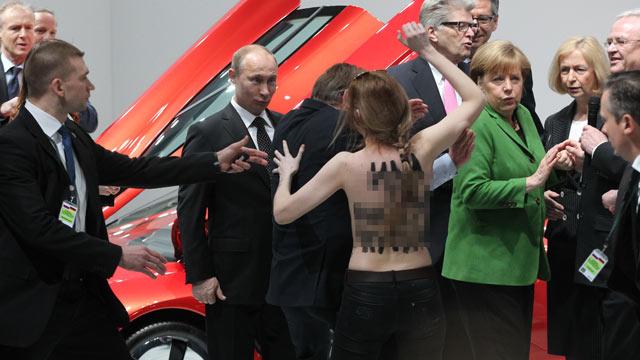 Vladimir putin daughter fall in camshow youcamhubcom - 3 3