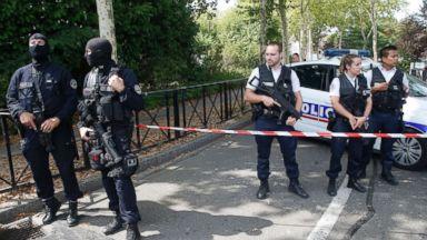 Knife-wielding man kills 2 in Paris suburb