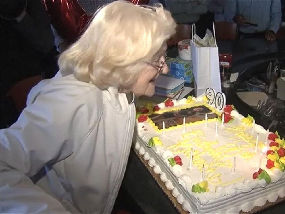 90 Year Old Applebee S Waitress Gets Surprise Birthday