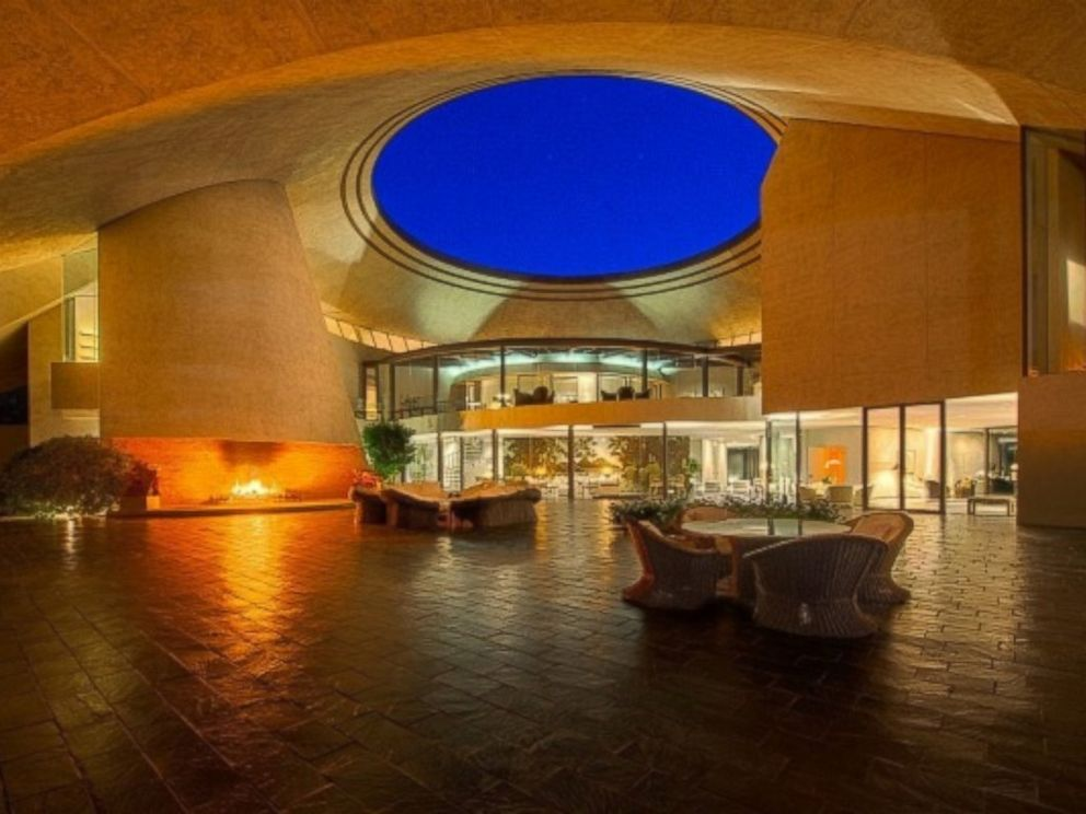 Bob Hope S Ufo House Has Sold For 13 Million Abc News