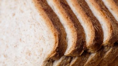 Twitter split over how to slice toast