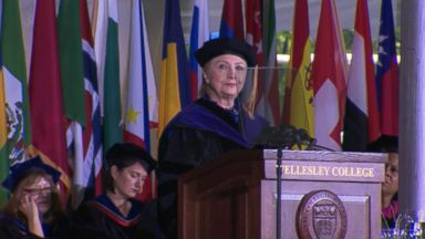 Clinton slams Trump during speech at Wellesley College
