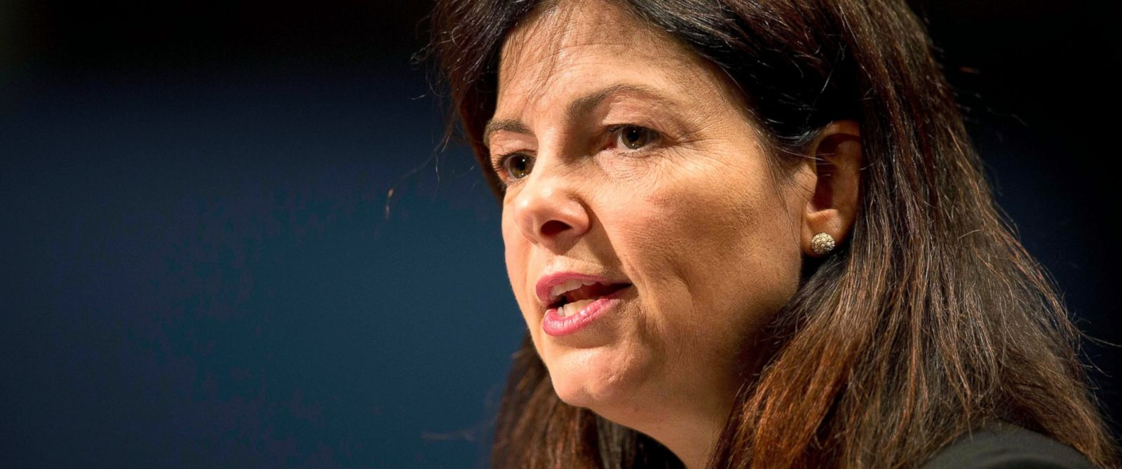 Sen. Kelly Ayotte Wouldn't Want Daughter in Room With Bill ...