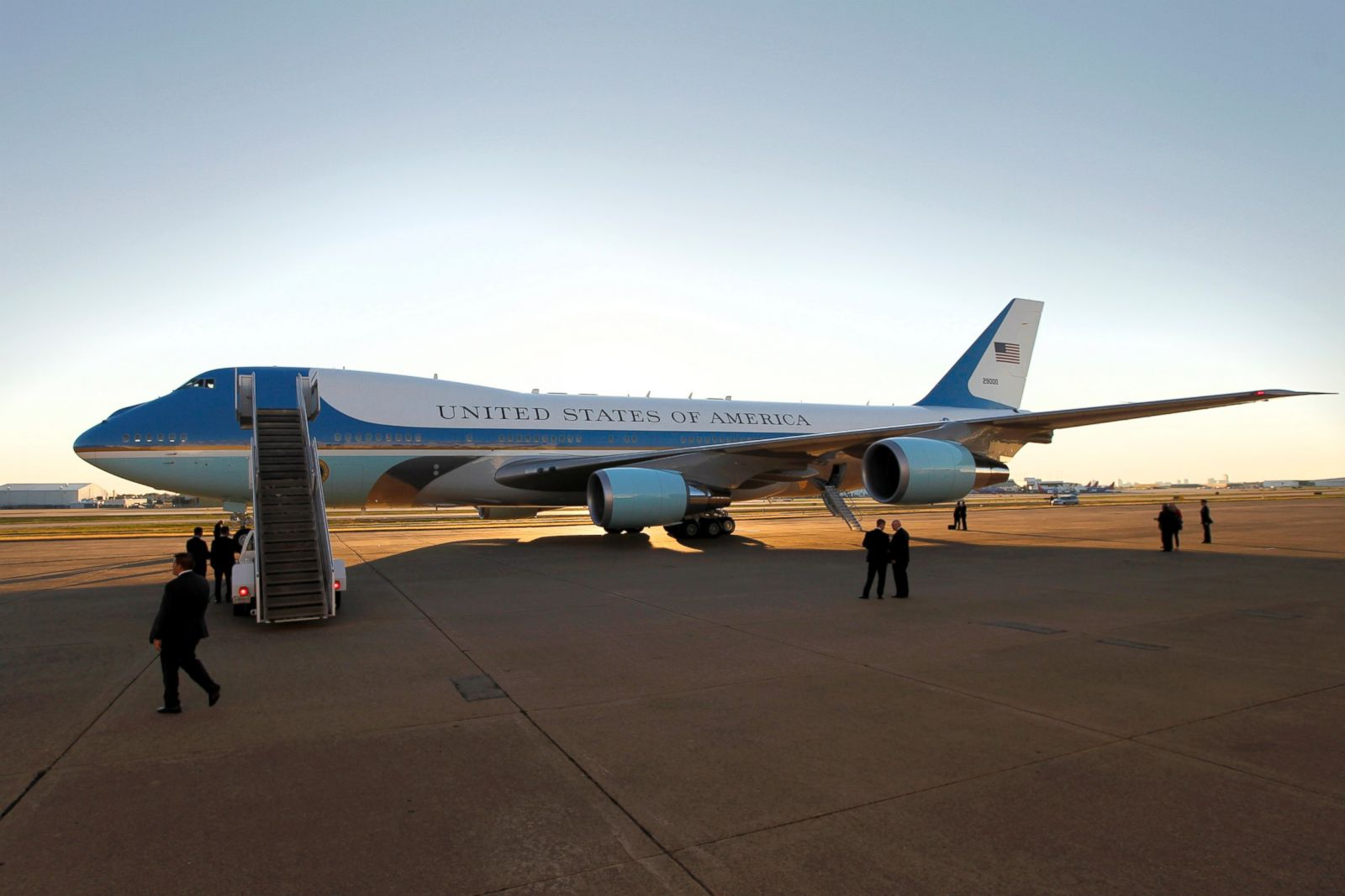 Inside Air Force One | Interactive - ABC News