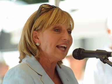 PHOTO: New Jersey Lt. Governor Kim Guadagno speaks at an event at Solberg Airport, July 24, 2015 in Readington, N.J.