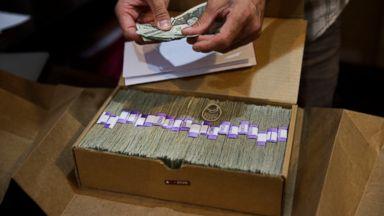 Congress urged to fully open banks to marijuana industry