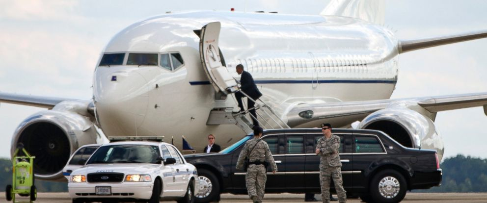 President Obama's Unexpected Air Force One Routine Causes ...