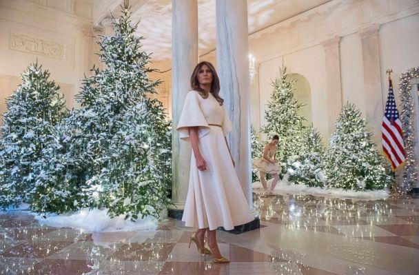 Steve Harvey Christmas Tree.After The Handmaid S Tale References Melania Trump