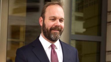 Former Trump campaign aide Rick Gates 'still cooperating' with Mueller: court docs