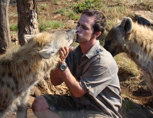 kevin richardson hyena and lion relationship