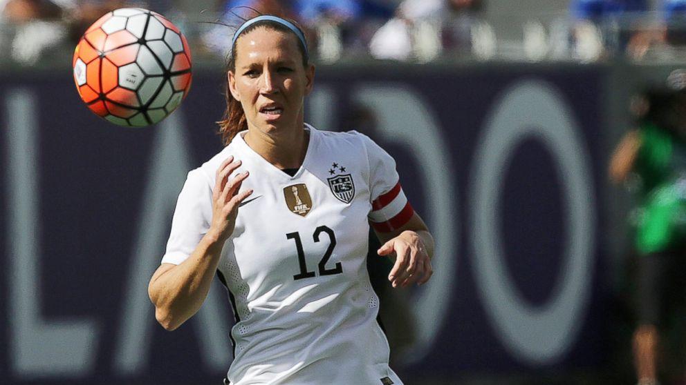 pregnant us soccer star lauren holiday faces brain tumor