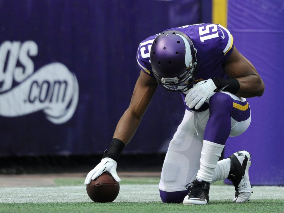 PHOTO: Greg Jennings #15 of the Minnesota Vikings celebrates a touchdown during the first quarter of the game against the Philadelphia Eagles, Dec. 15, 2013, at Mall of America Field at the Hubert H. Humphrey Metrodome in Minneapolis.
