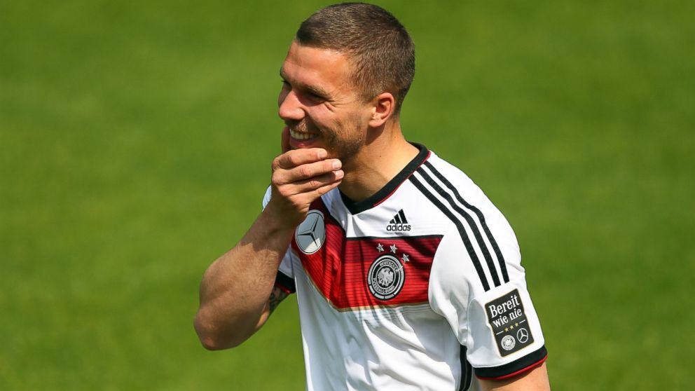 Juventus enter talks with Arsenal over a loan move for Lukas Podolski [Di Marzio]