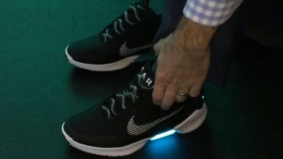 Air 2 Marty Nike Mcfly Chaussures The Future Mag To Back 0wk8PnO