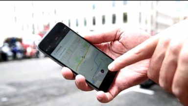 Uber launches panic button to help riders