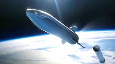 SpaceX to take tourist on trip around moon