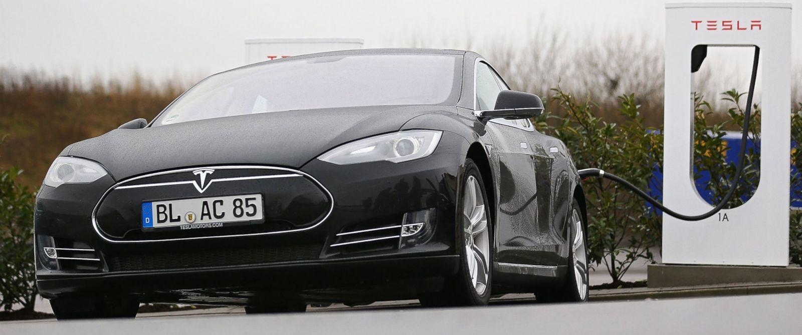 Elon Musk Working on Snake-Like Charger for Tesla Cars ...