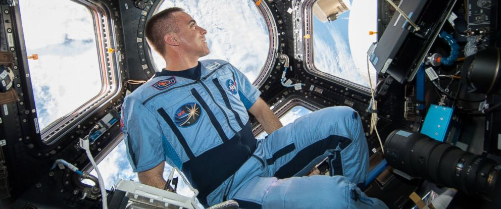 how does astronaut live in space - photo #36