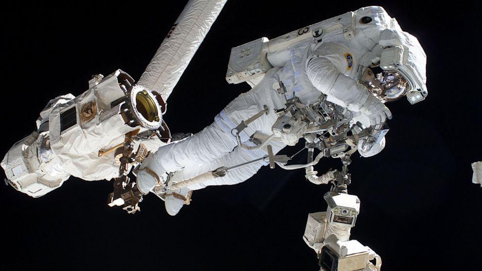 Astronaut Nearly Drowns on Spacewalk - ABC News