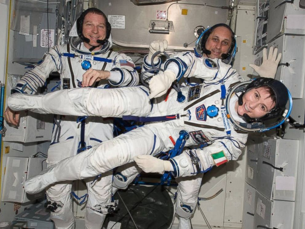 astronauts in space experience - photo #2