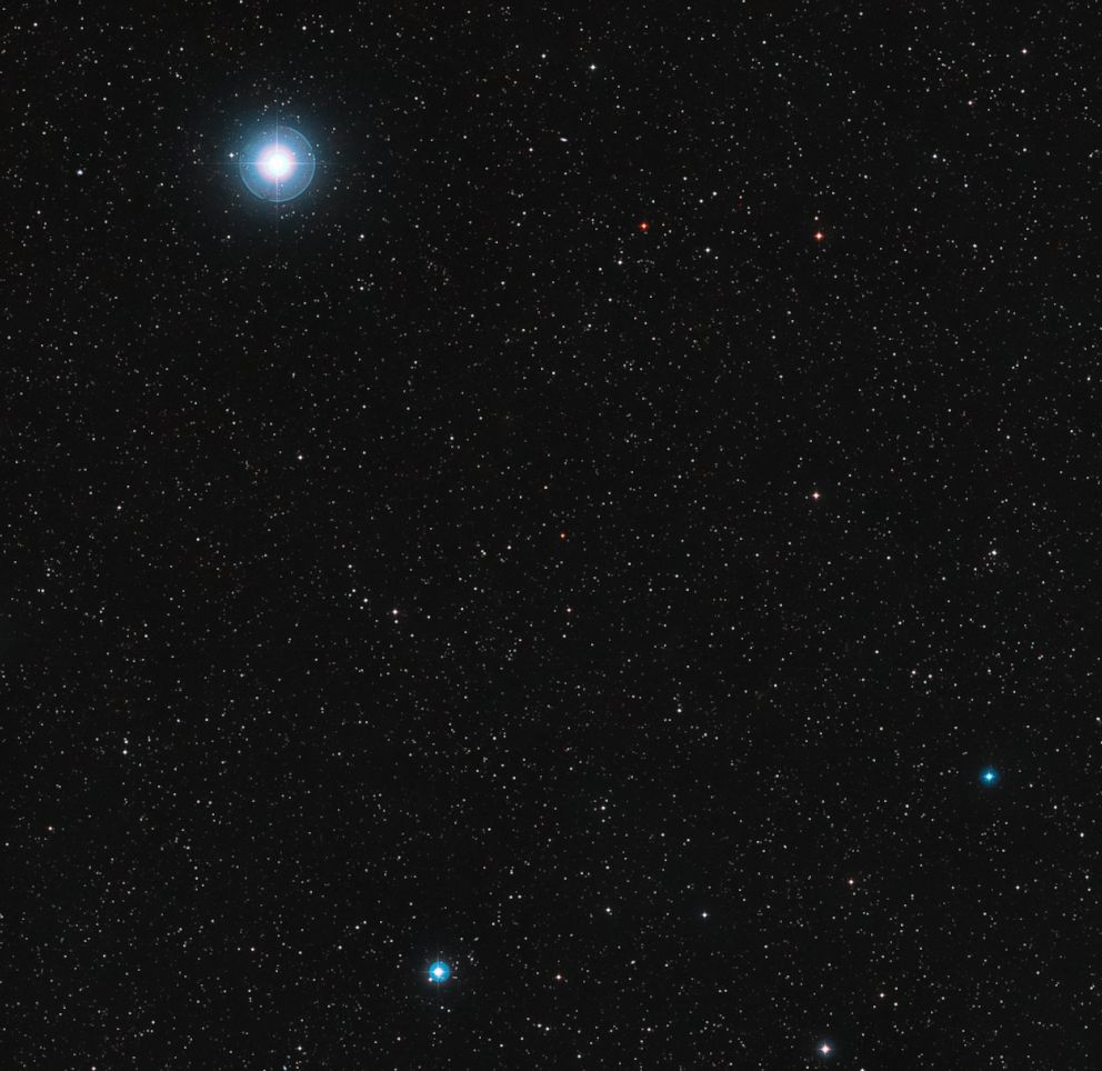 PHOTO: This image shows the sky around the red dwarf star Ross 128 in the constellation of Virgo.