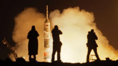 2 Americans, 1 Russian on their way to International Space Station
