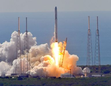 SpaceX not to blame for secret Zuma satellite flop: Sources