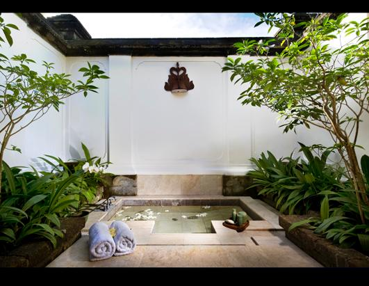 World S Steamiest Outdoor Showers And Baths Picture