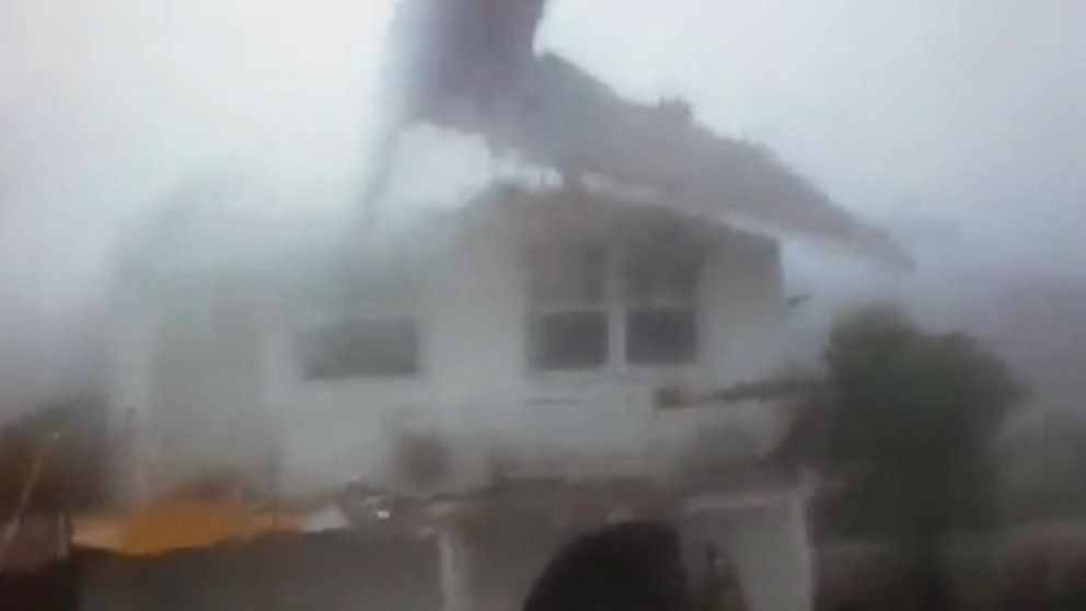 Storm Blows Roof Off House In Bahamas Video Abc News