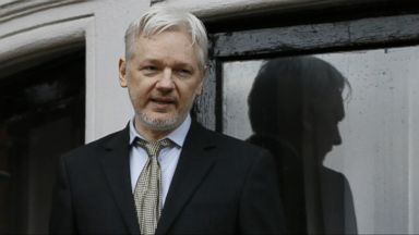 US authorities debating charges against Wikileaks' Assange