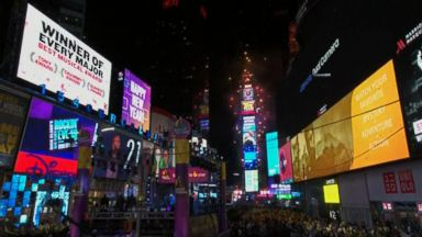 Crystal ball drops in Times Square to mark 2018