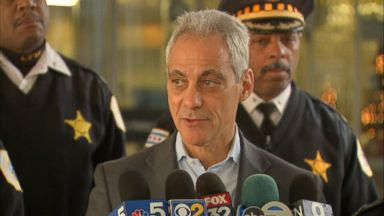 Chicago mayor urges residents to show support for police department