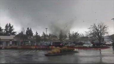 Video shows tornado rip through Washington state