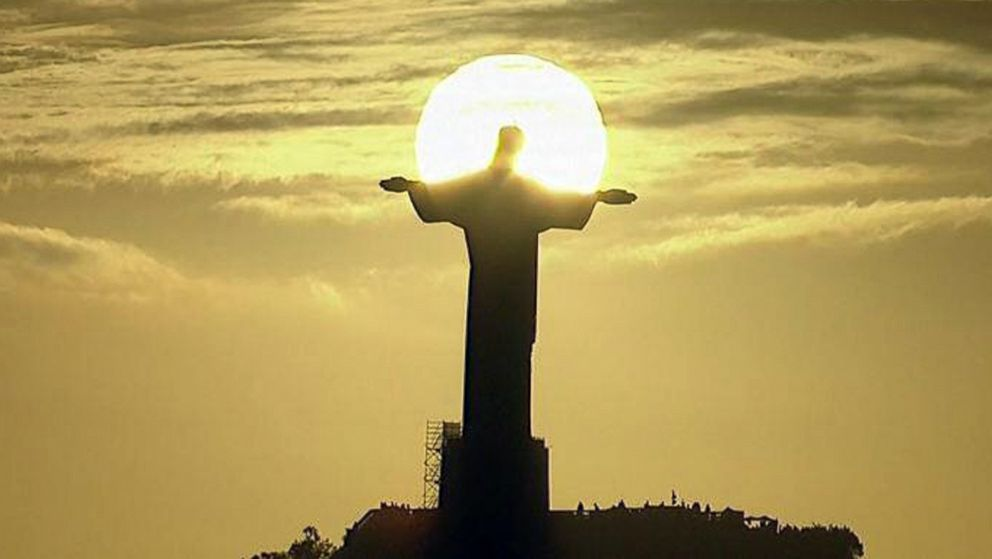 2014 FIFA World Cup: Camera Catches Breathtaking Shot of ...