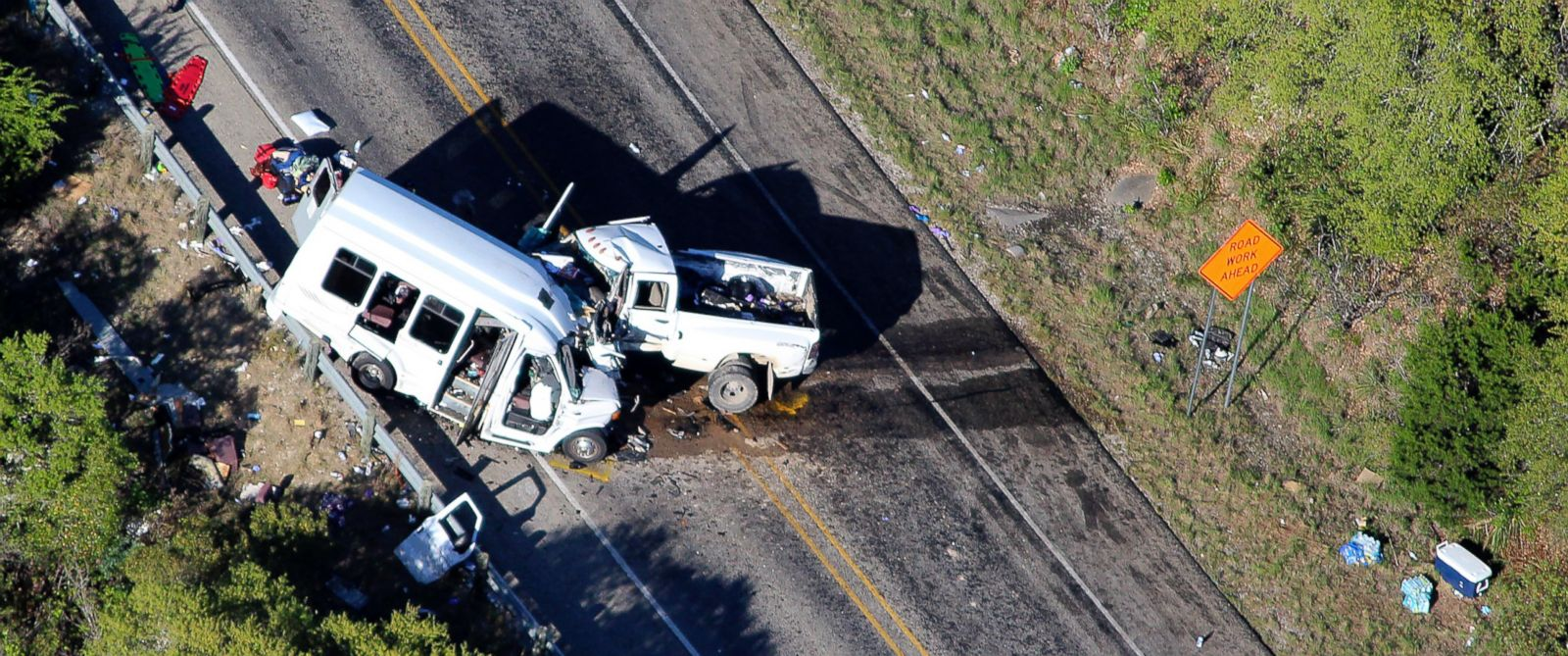 At Least 13 Dead 3 Injured In Texas Church Bus Crash Say